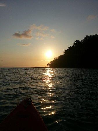 Away Koh Kood Resort: พายคายัคไปกลางทะเล