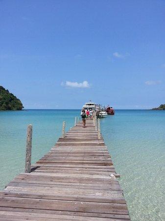 Away Koh Kood Resort: ไป-กลับ โดยเรือบุญศิริ รับส่งที่ ท่าสยามขีช
