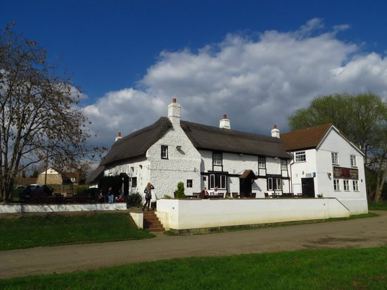 View of the Old Ferry Boat Inn from the riverside