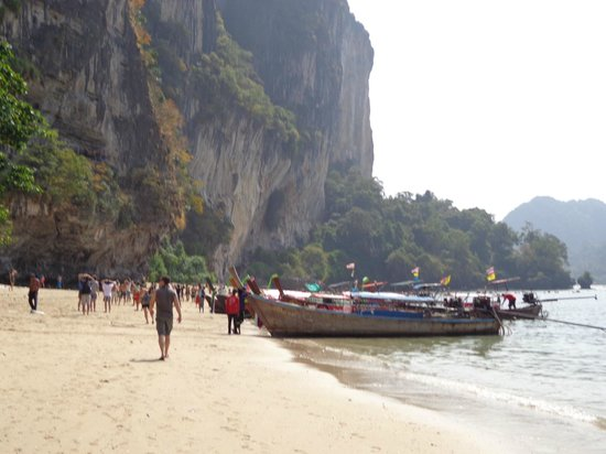 Banyan Tree Resort : Tonsai Bay, rock climbing