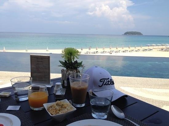 The Shore at Katathani : breakfast with a view