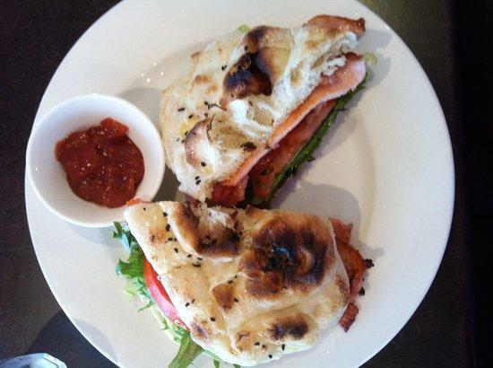 Bushman's Bar and Cafe : BLT