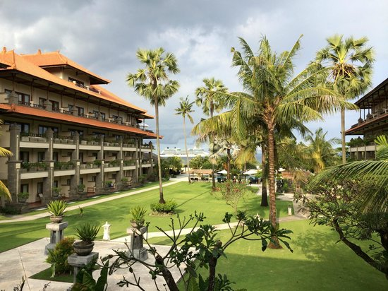 Peninsula Beach Resort Tanjung Benoa: Grounds
