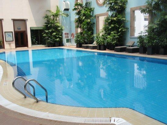 Sheraton Saigon Hotel & Towers: Level 5 pool