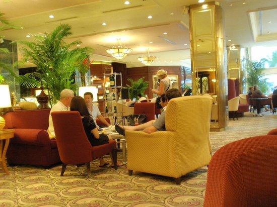 Sheraton Saigon Hotel & Towers: Lobby lounge