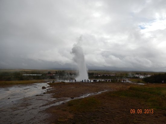 Golden Circle Route: The geyser area