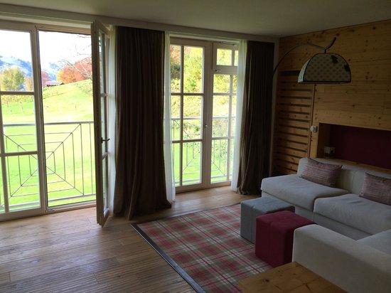 Grand Tirolia: Wohnzimmer Suite 112
