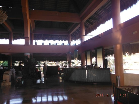 Viva Wyndham Dominicus Palace : bar hall