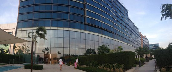 Fairmont Bab Al Bahr : View from the swimming pool