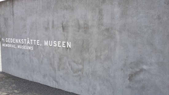 Gedenkstätte und Museum Sachsenhausen: The entrance need to put this name into a GPS
