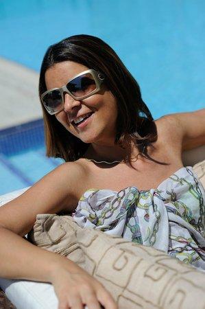 Southern Sun Abu Dhabi: Pool Lifestyle