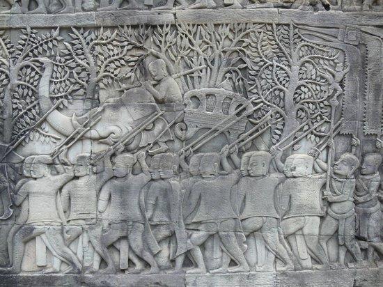 Bayon (Angkor) : Bayon: Stone carvings