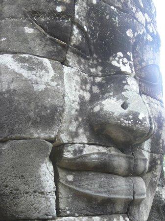Bayon (Angkor) : Bayon: Enigmatic Faxes