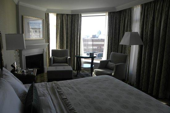 Magnolia Hotel And Spa : room