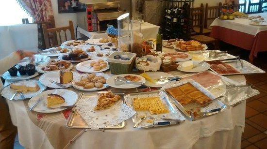 Hotel Ciria: Buffet desayuno, sección dulces