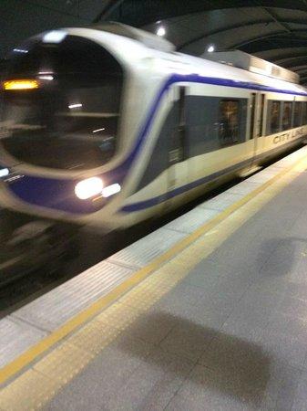 Airport Rail Link: 列車