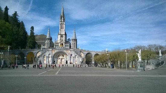 Sanctuaire Notre Dame de Lourdes : Il santuario