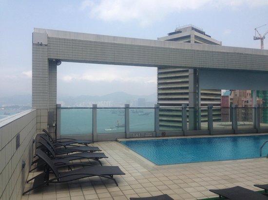 Hotel Jen Hong Kong : Pool