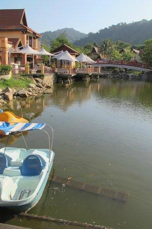 Langkawi Oriental Village: Lake