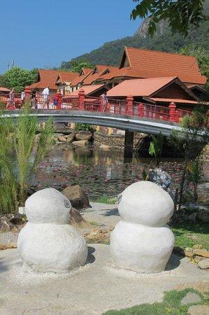 Langkawi Oriental Village: Around the village
