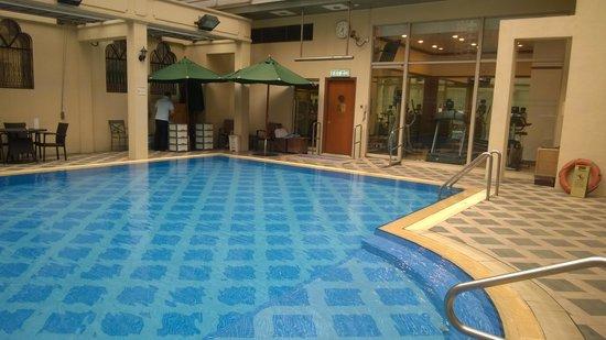 Island Pacific Hotel: бассейн 1