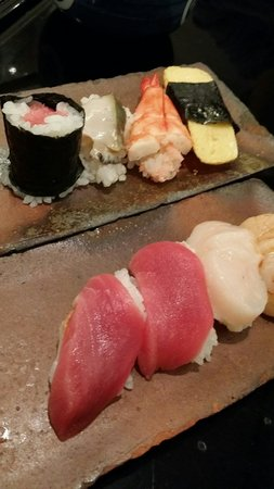 Endo Sushi Chuo Ichiba : Delicious sushi! Toro is amazing.