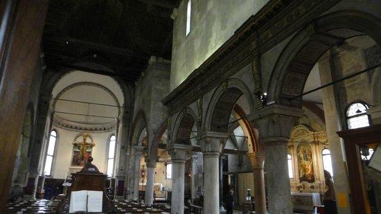 Chiesa di San Giacomo dell'Orio: the inside