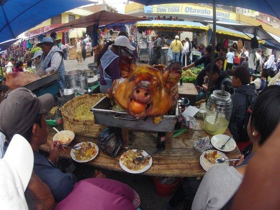 Otavalo Market: Рынок Отавало