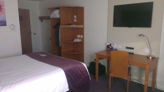 Premier Inn Reading Central Hotel: Facing the entrance