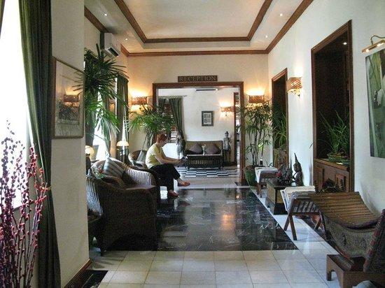 Savoy Hotel Yangon: lobby