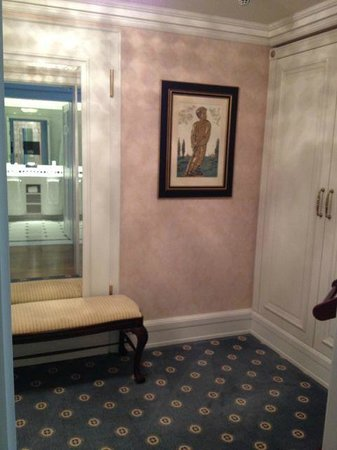 Powerscourt Hotel, Autograph Collection: Huge walk-in wardrobe