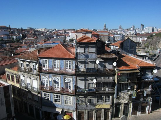 Bluedragon Porto City Tours: With segway, U can see Porto at different angles!