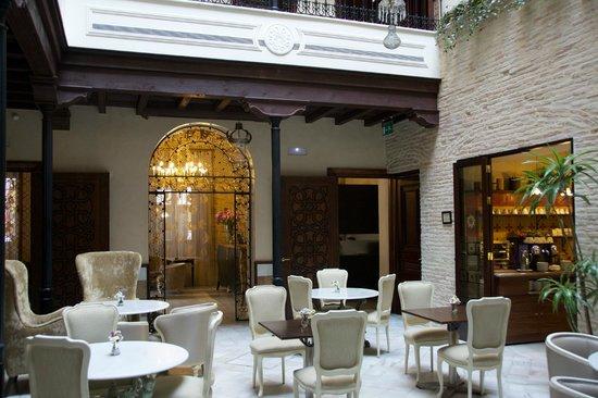 Hotel Casa 1800 Sevilla: Patio commun