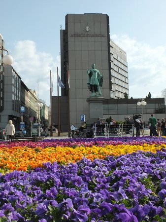 InterContinental Budapest: We took this photo almost as soon as we got there, Budapest has great spring flowers everywhere.