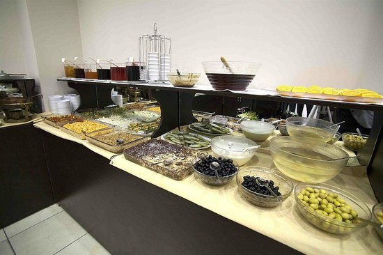 Hatay Hotel: Hmnnn nice choices of breakfast!