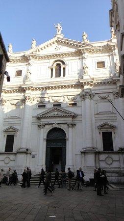 Iglesia San Salvador: outside