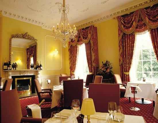 Shanahan's on The Green: Oppulent Dining Room
