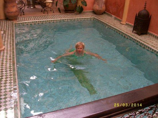Riad Itrane: Jacqueline aux bains