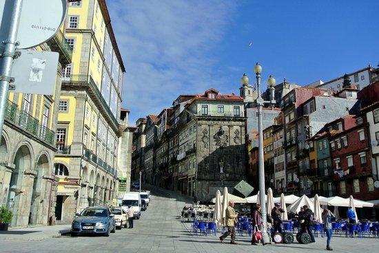 Pestana Vintage Porto: Der Platz vom Hotel