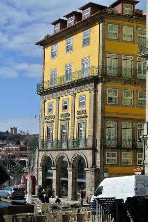 Pestana Vintage Porto: Das Hotrel