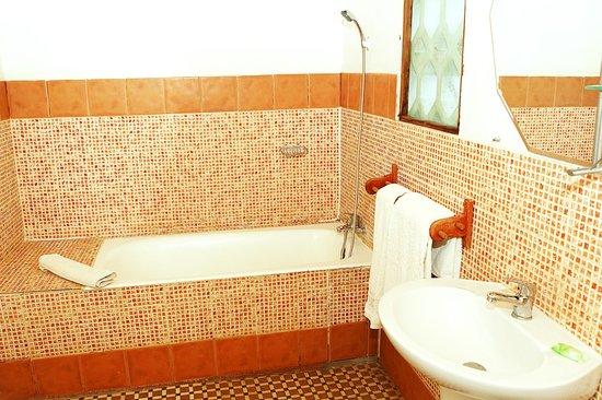 EMTH Majunga : salle de bain