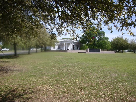 Sam Rayburn Library and Museum : Sam Rayburn Library