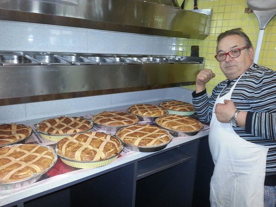 pizzeria capri: Buona pasqua a tutti con le nostre Pastiere.