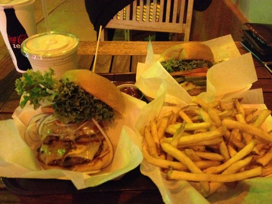 Stewz Maui Burgers: Both were huge, fresh and super tasty. Mmmmmm:-) and the coffee shake! Couldn't stop drinking it