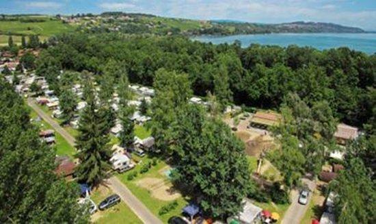 Camping Salavaux Plage TCS : Camping Salavaux Plage aus der Vogelperspektive