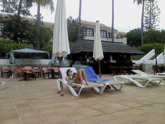 Fuentepark Apartamentos: Poolbar