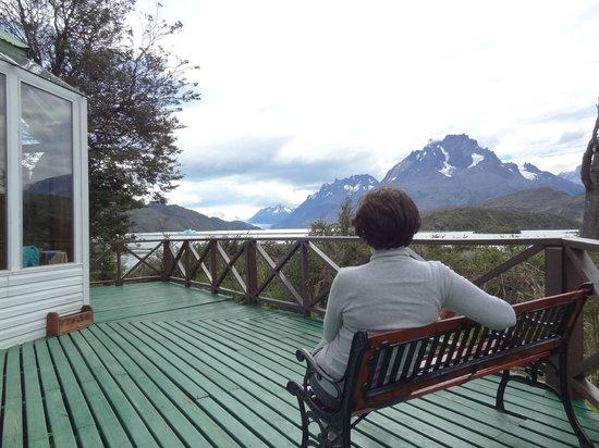 Lago Grey Hotel and Navegation : Vista panorâmica da terraça do hotel.