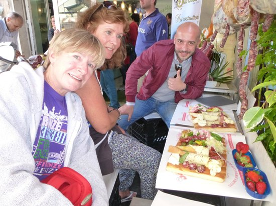 Personal Guide Sicily: Lunch in the market. Siracusa