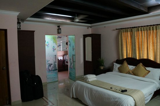 Sreeragam Luxury Villa Retreat: Bedroom