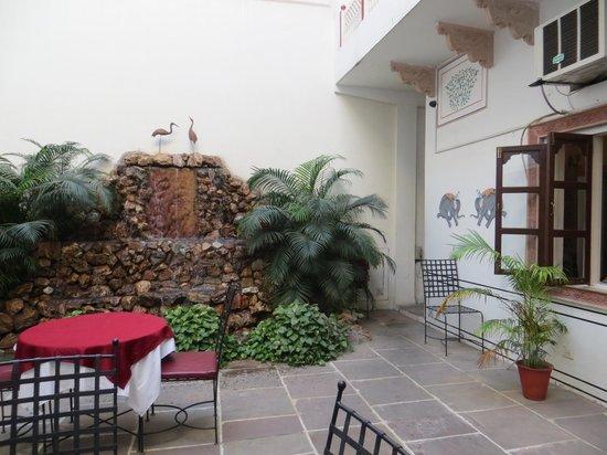 Hotel Mahal Khandela: nice courtyard
